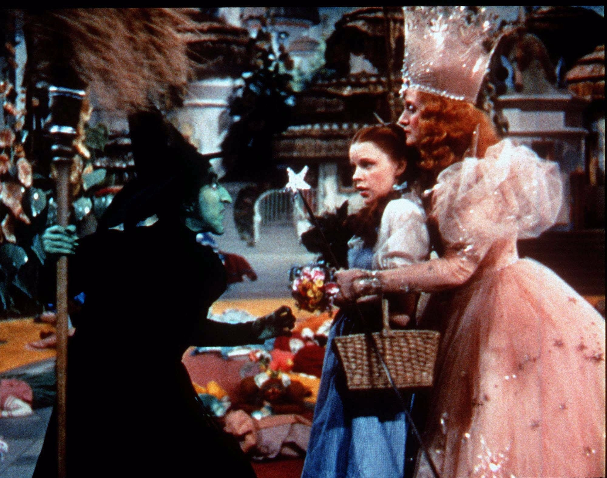Behind the curtain wizard of oz - The Good Witch And The Bad Witch